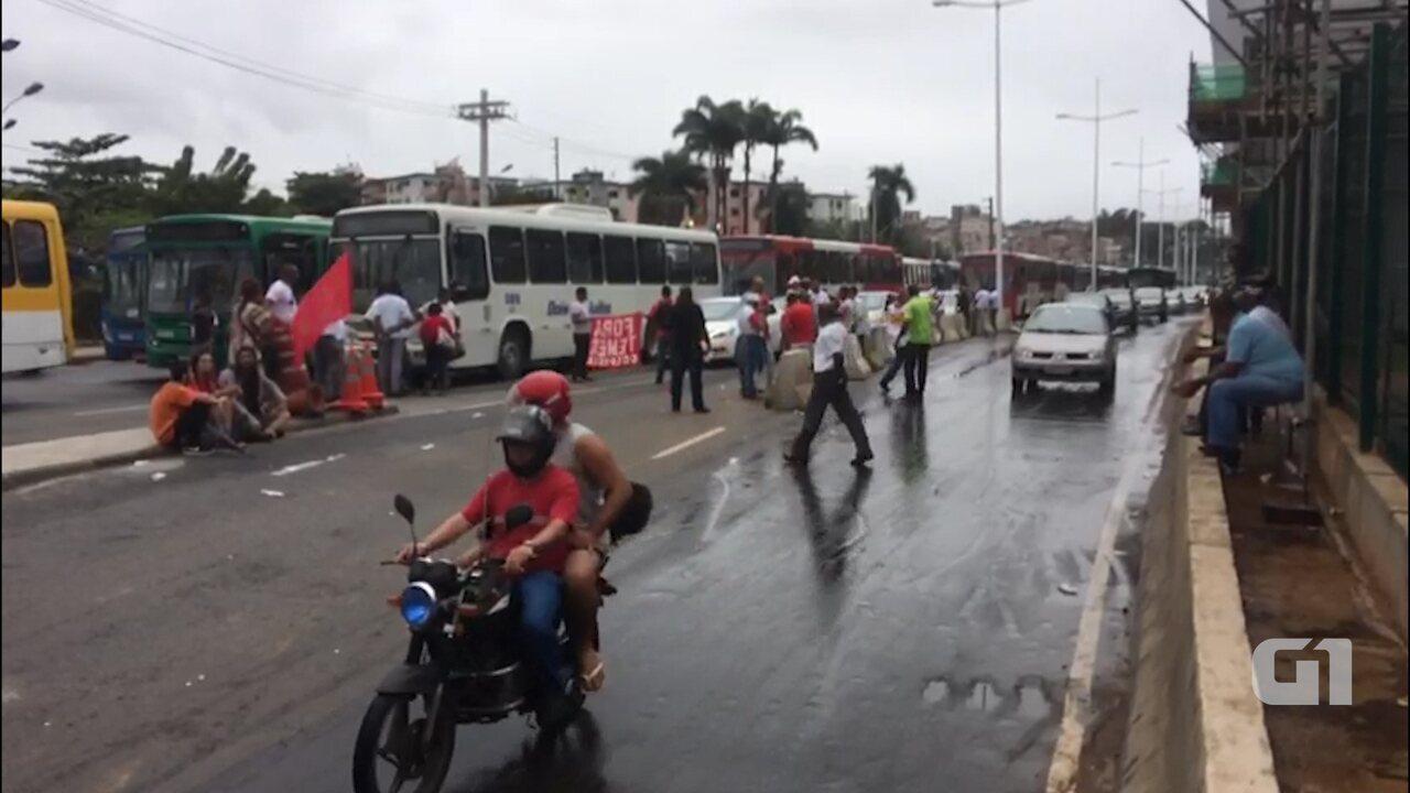Vídeo mostra situação do trânsito na Avenida ACM, nos dois sentidos, na manhã desta sexta-feira, em Salvador