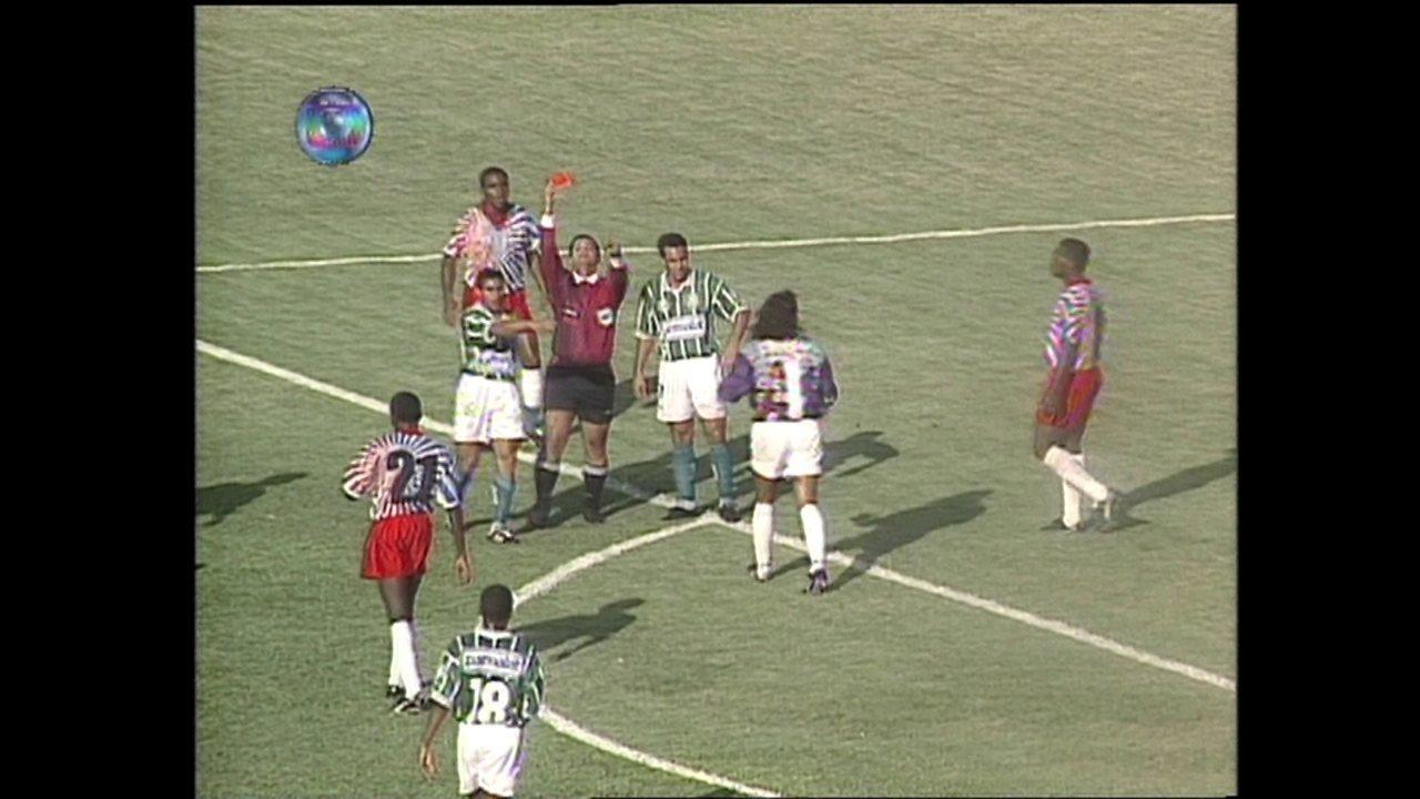 Em 1995, Palmeiras vence El Nacional por 7 a 0 na Libertadores