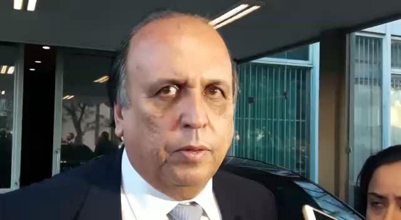 Governador do Rio, Luiz Fernando Pezão, em entrevista após reunião com o ministro da Fazenda, Henrique Meirelles