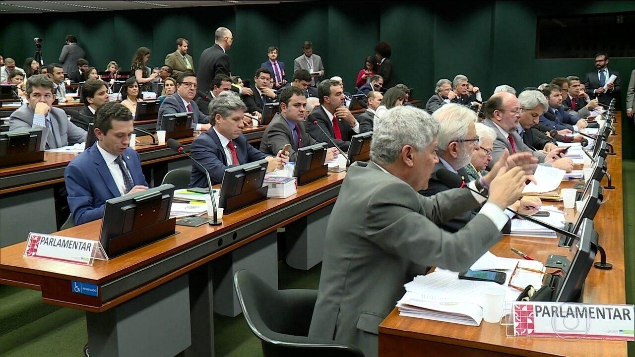 Condenação de Lula tem repercussão imediata no Congresso