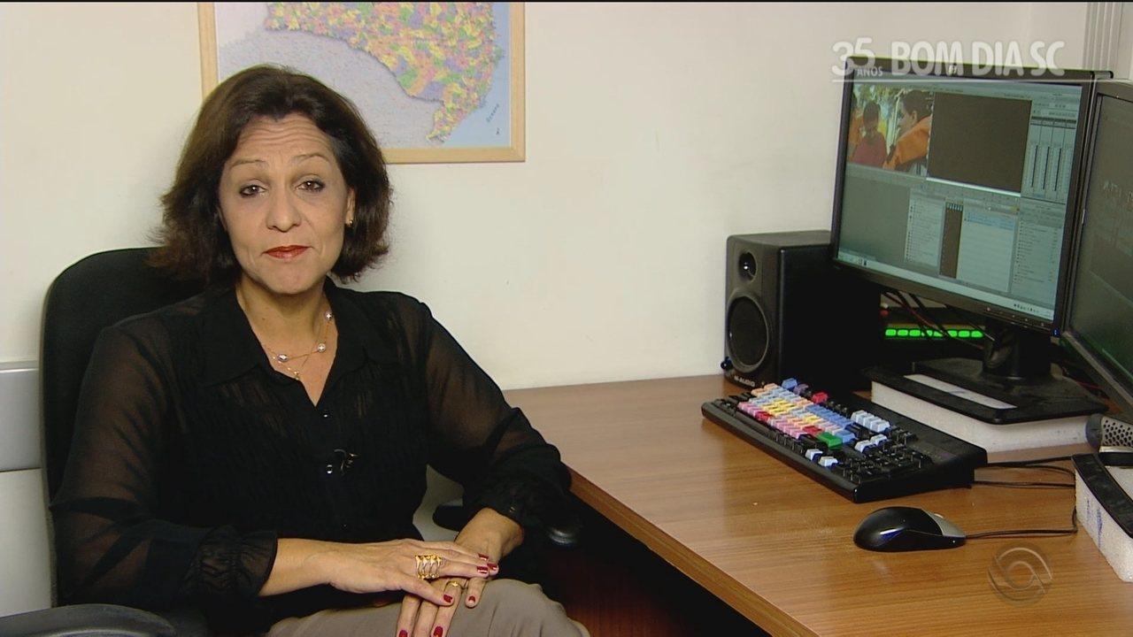 Marcia Carvalho relembra momentos marcantes apresentando o Bom Dia SC