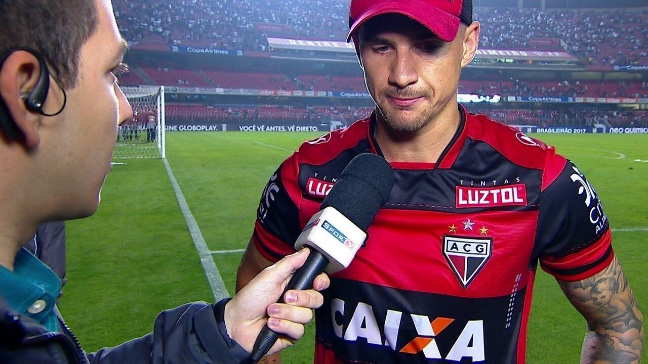 706ad5dd15 Everaldo comenta gol de calcanhar e comemora empate contra o São Paulo