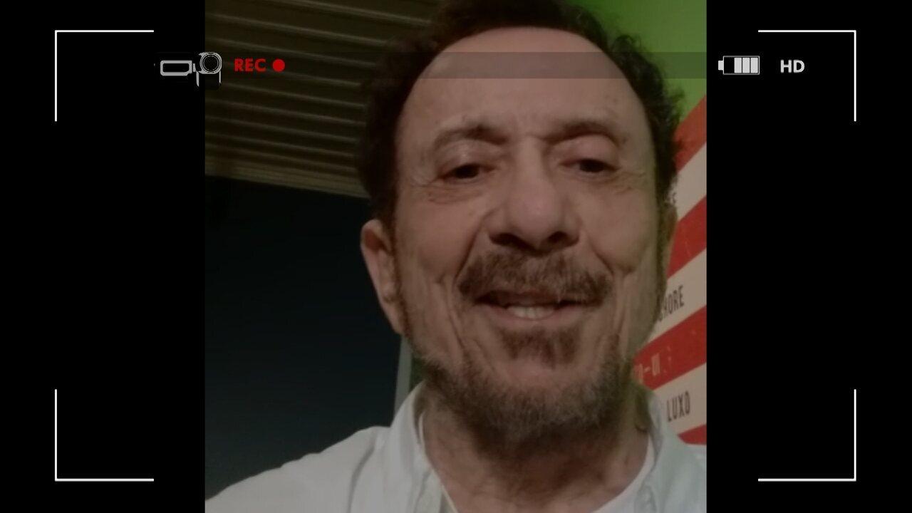 Tom Zé grava vídeo-selfie convidando a todos para o Aprovado