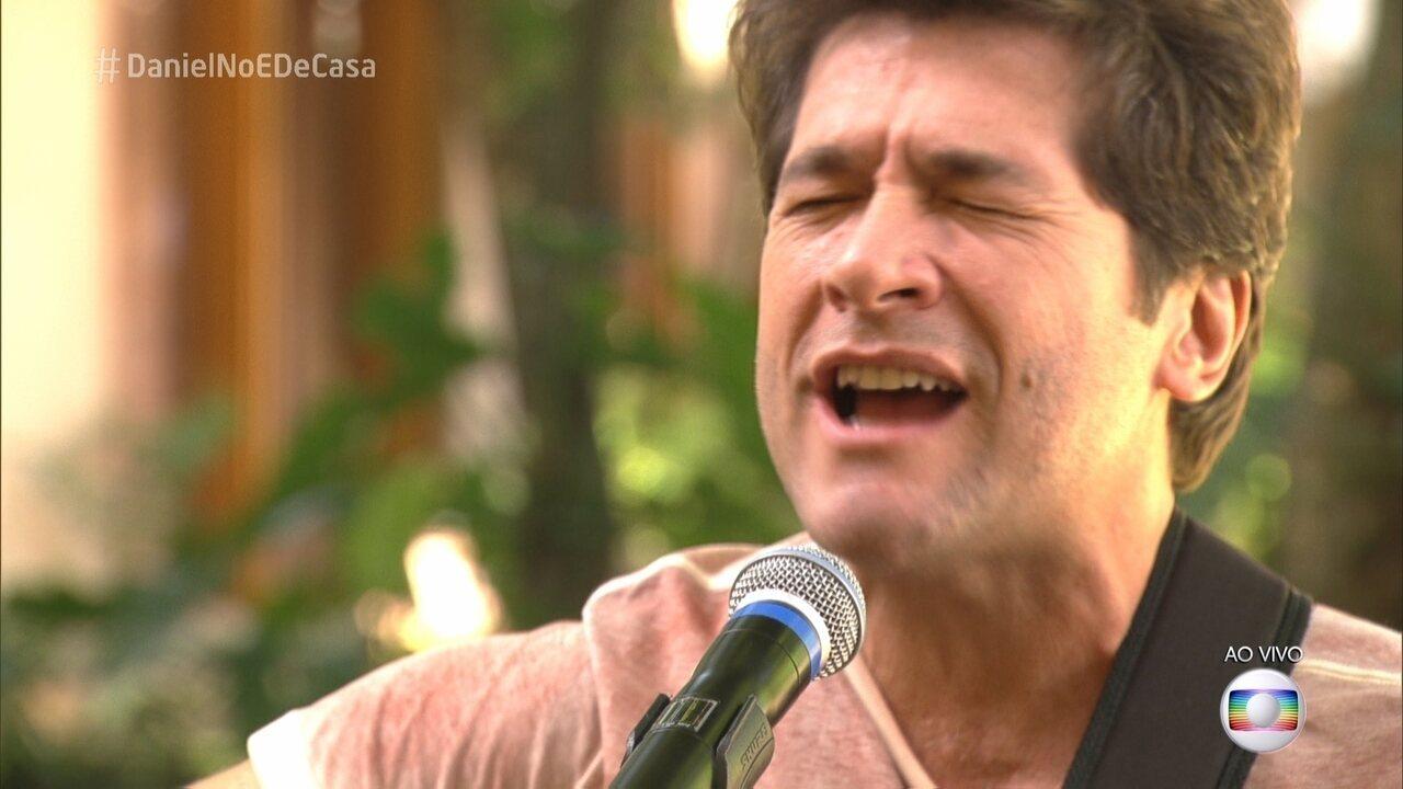 Daniel canta 'Eu Gosto Tanto de Você'