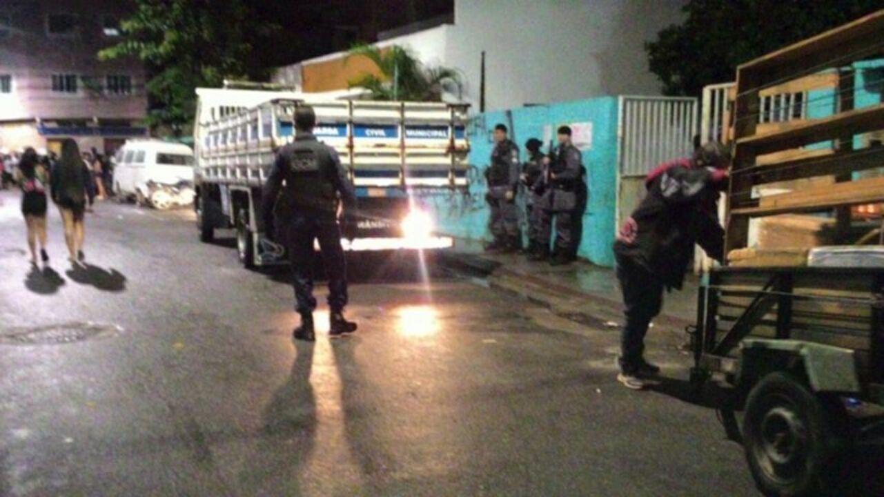 Baile Funk irregular é impedido de acontecer pela polícia em bairro de Vitória