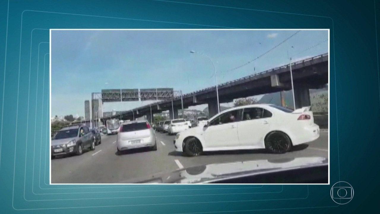 Suspeita de arrastão faz motoristas voltarem na contramão no Elevado do Gasômetro