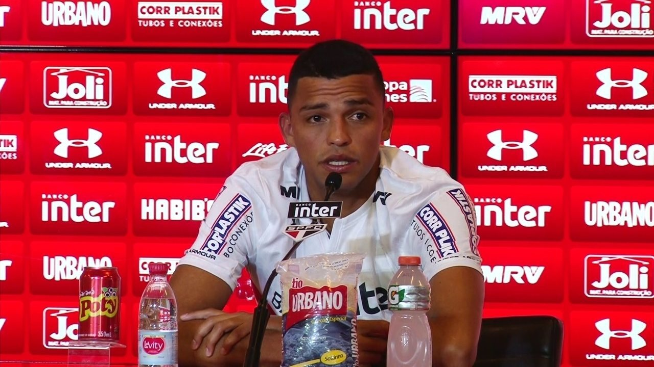 Reforço do São Paulo, Aderllan chora na chegada ao clube do coração