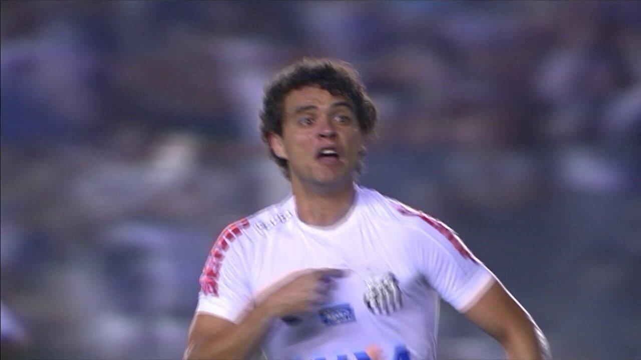 Gol do Santos! Victor Ferraz pega de primeira, e vira o jogo, aos 9' do 2º tempo