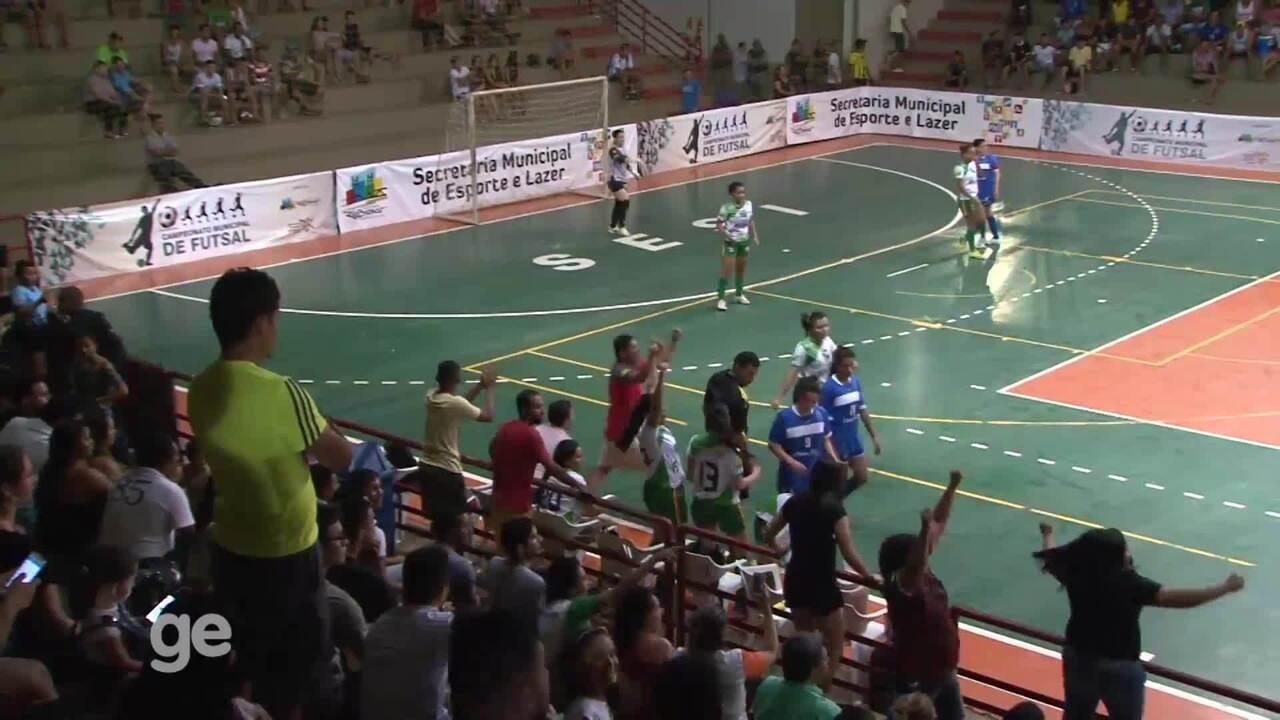 290083ff14 Jogadoras se envolvem em confusão em final de campeonato de futsal no Acre