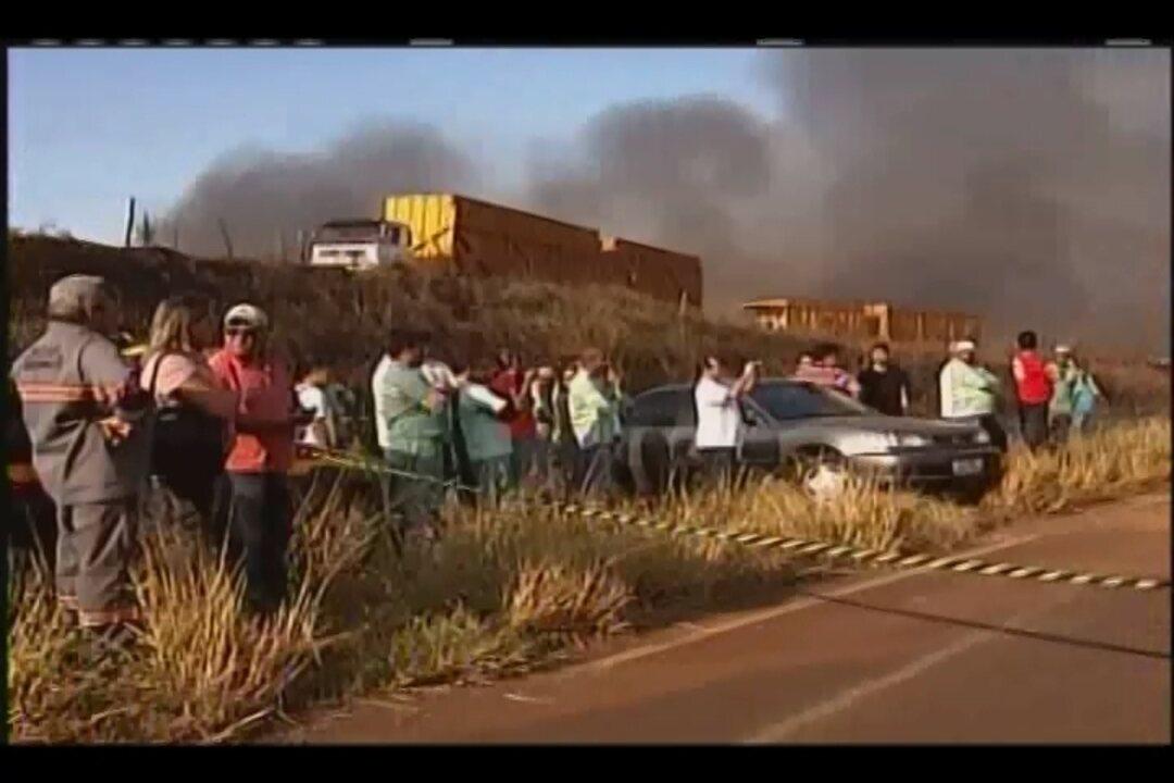 Acidente envolvendo quatro veículos deixa um morto e feridos em Uberaba