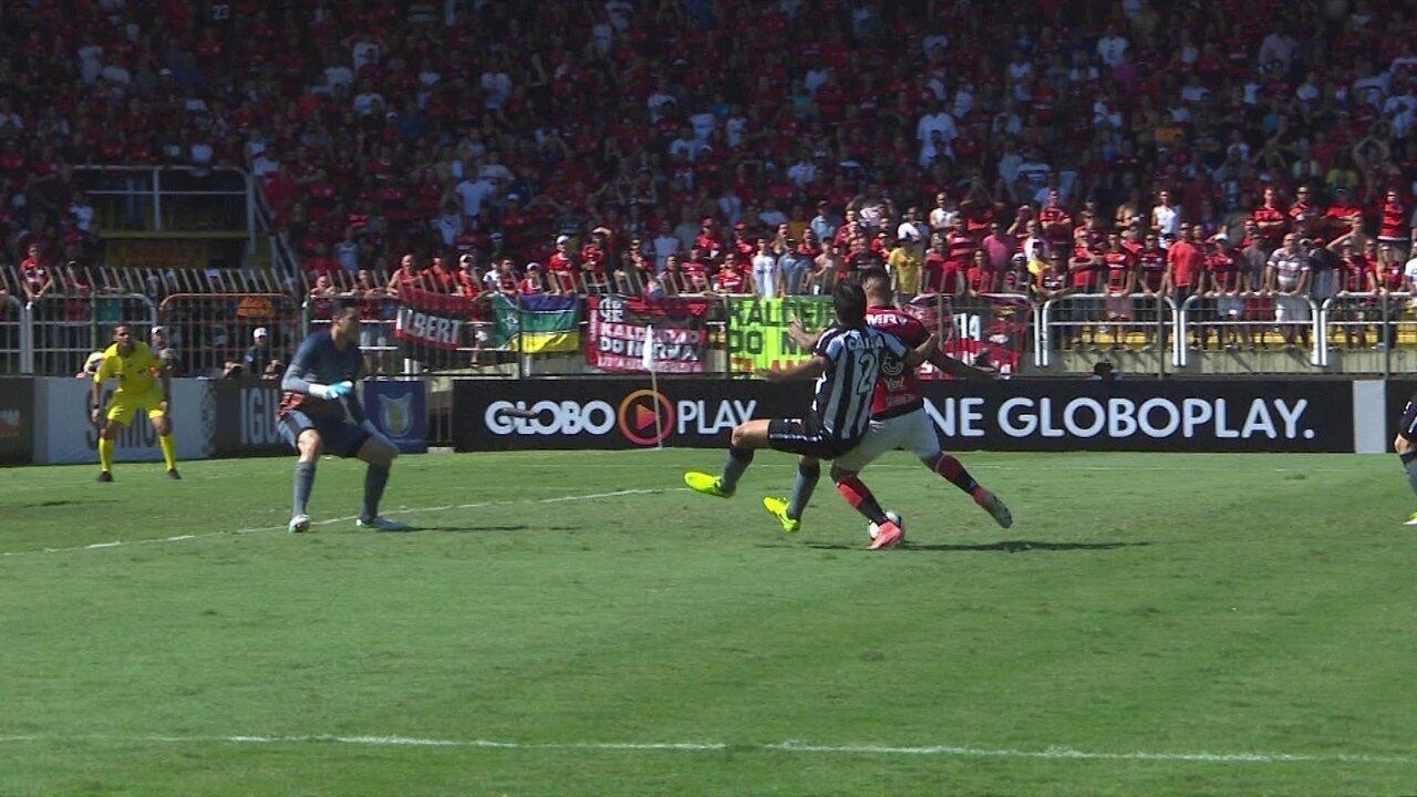 Veja algumas defesas decisivas do goleiro Gatito Fernández, do Botafogo