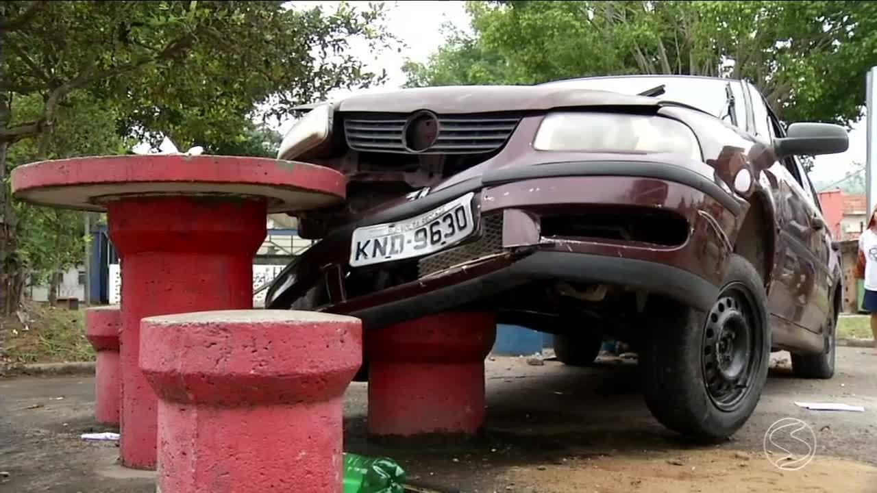 Casal de idosos morre após ser atropelado por carro em Volta Redonda, RJ
