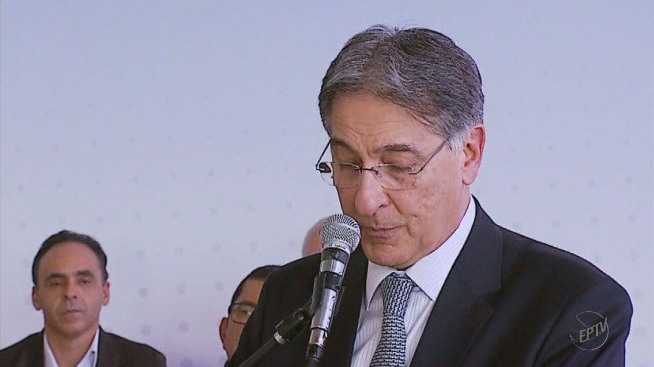 Governador Fernando Pimentel anuncia investimentos em Passos (MG)