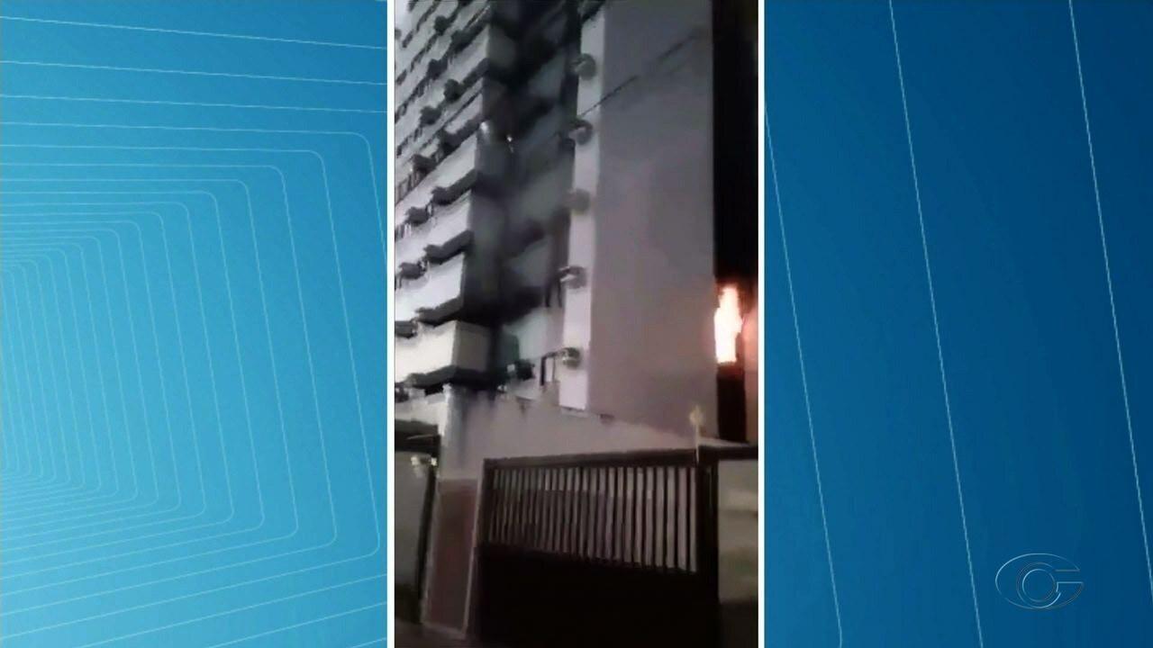 Incêndio atinge apartamento no bairro da Jatiúca, em Maceió