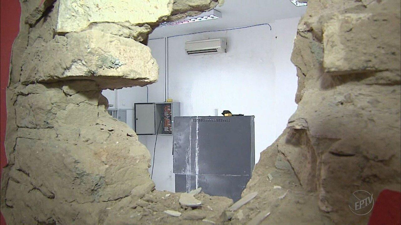 Moradores relatam medo após explosão de caixa eletrônico em Nuporanga, SP