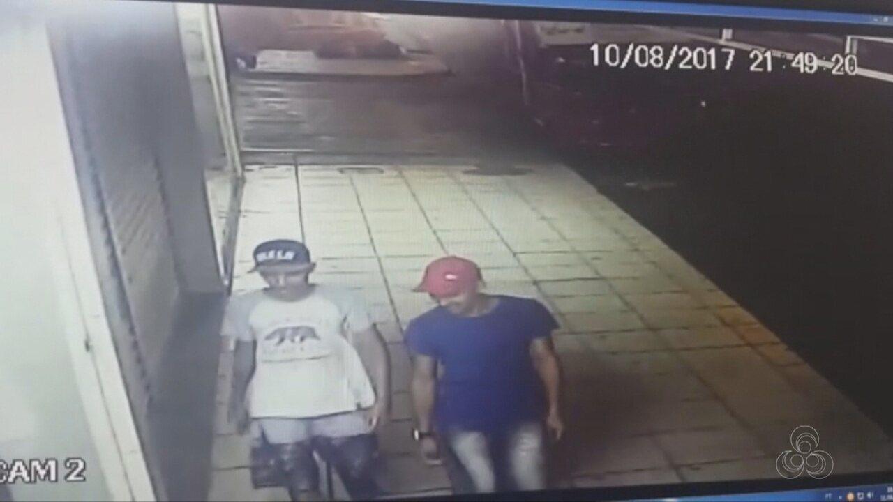 Imagens mostram suspeitos do latrocínio saindo do apartamento do gerente de banco