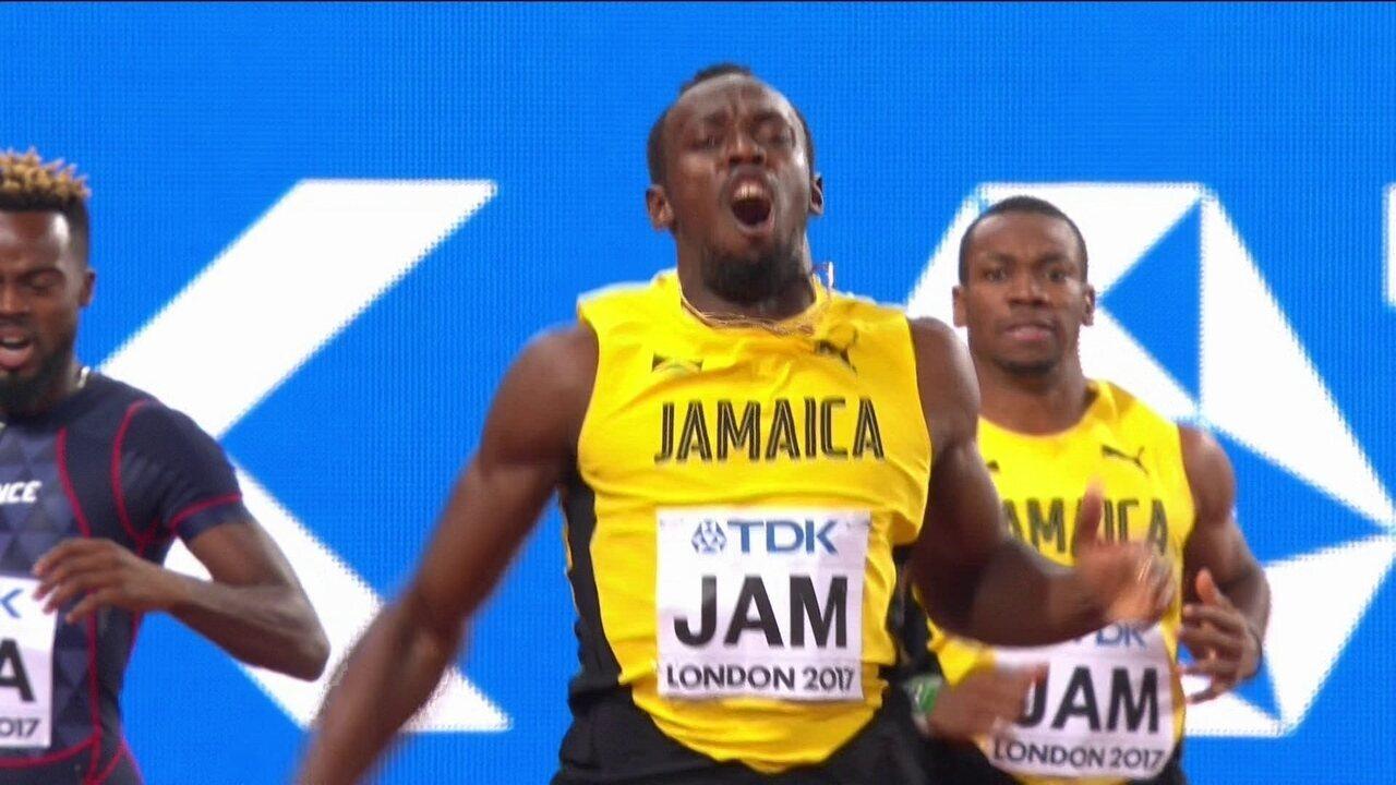 Usain Bolt tenta alcançar adversário e se machuca na sua última corrida no Mundial