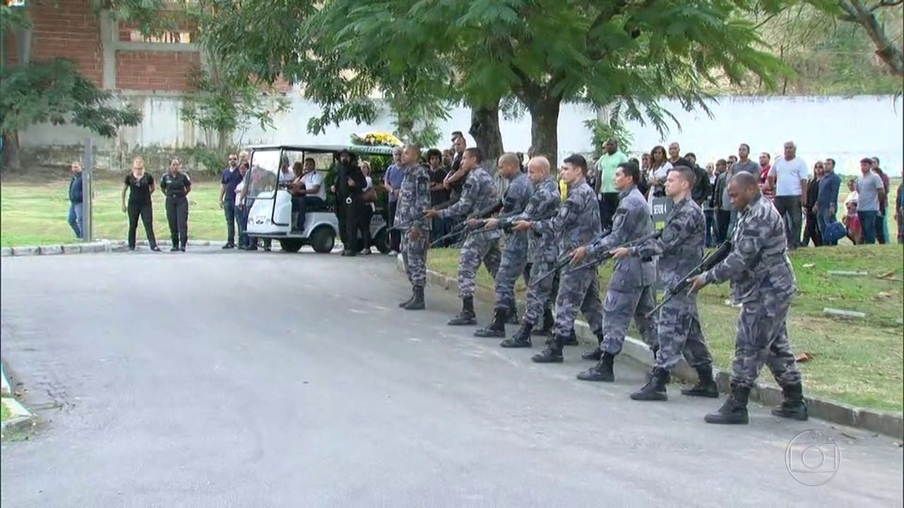 Sobe para 97 o número de policiais assassinados, este ano, no Rio