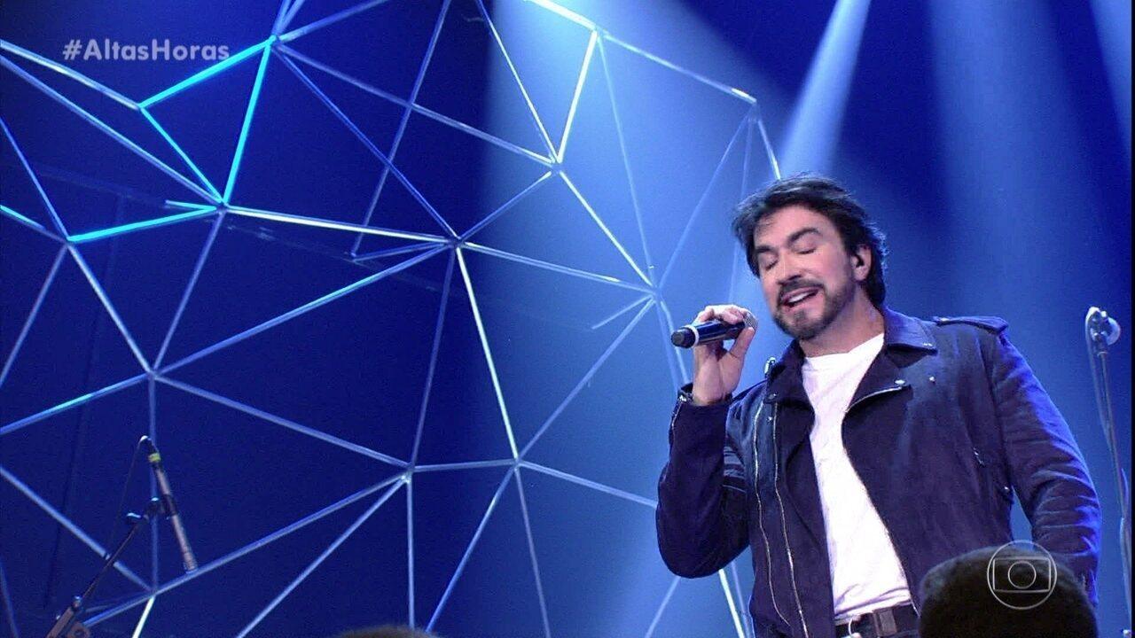 Padre Fábio de Melo canta 'Pai'