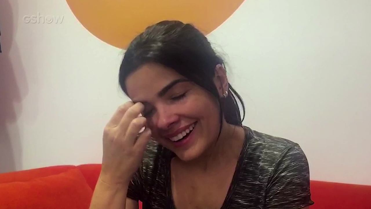 Vanessa Giácomo se emociona em gravação