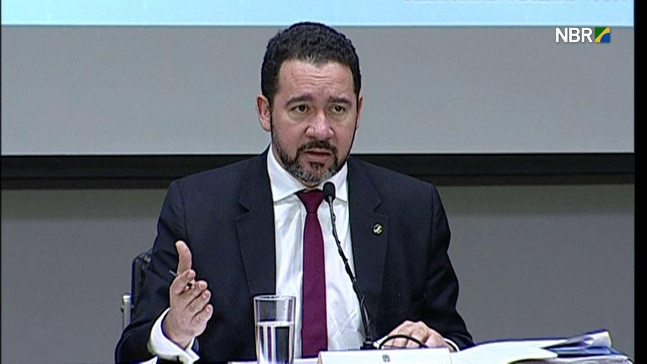 Dyogo Oliveira diz que o governo vai extinguir 60 mil cargos que hoje estão vagos