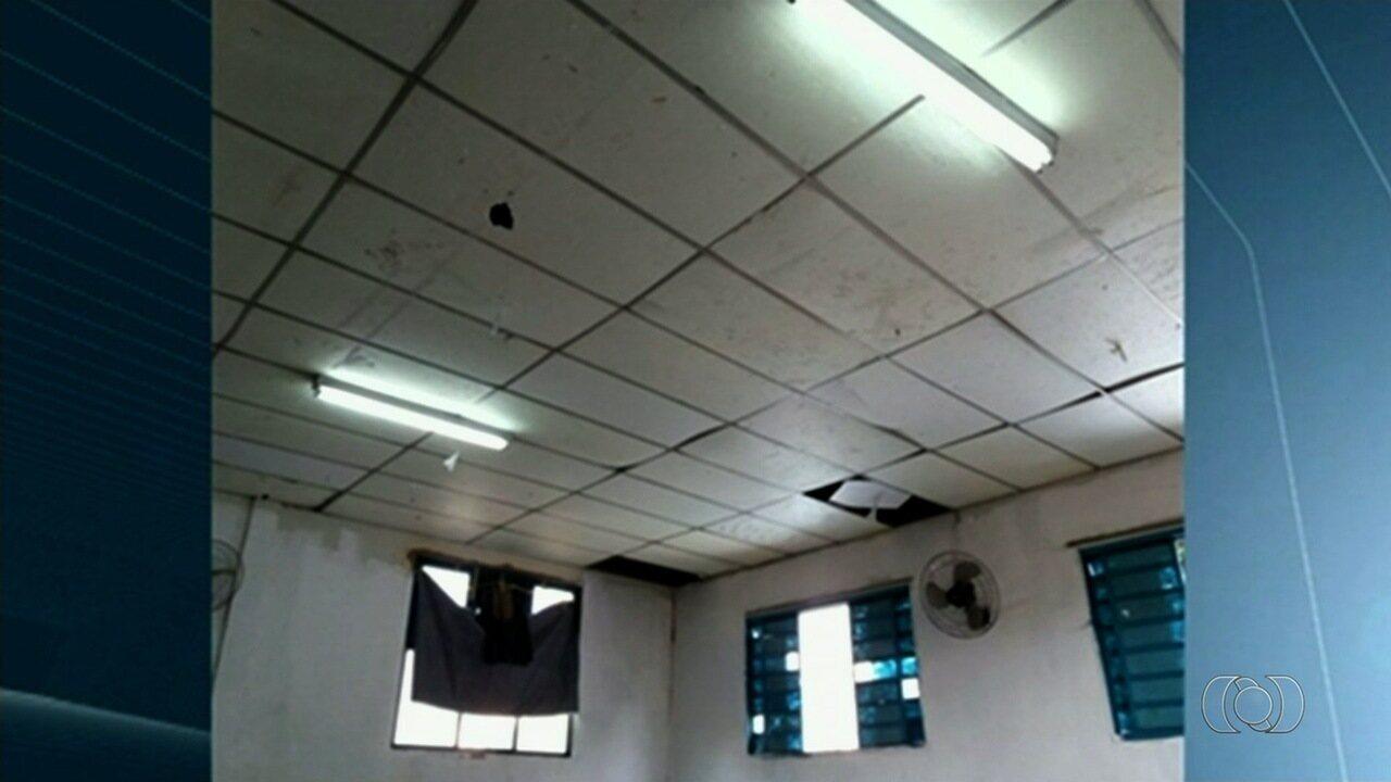 Corpo de Bombeiros interdita escola estadual por problemas na estrutura, em Rio Verde