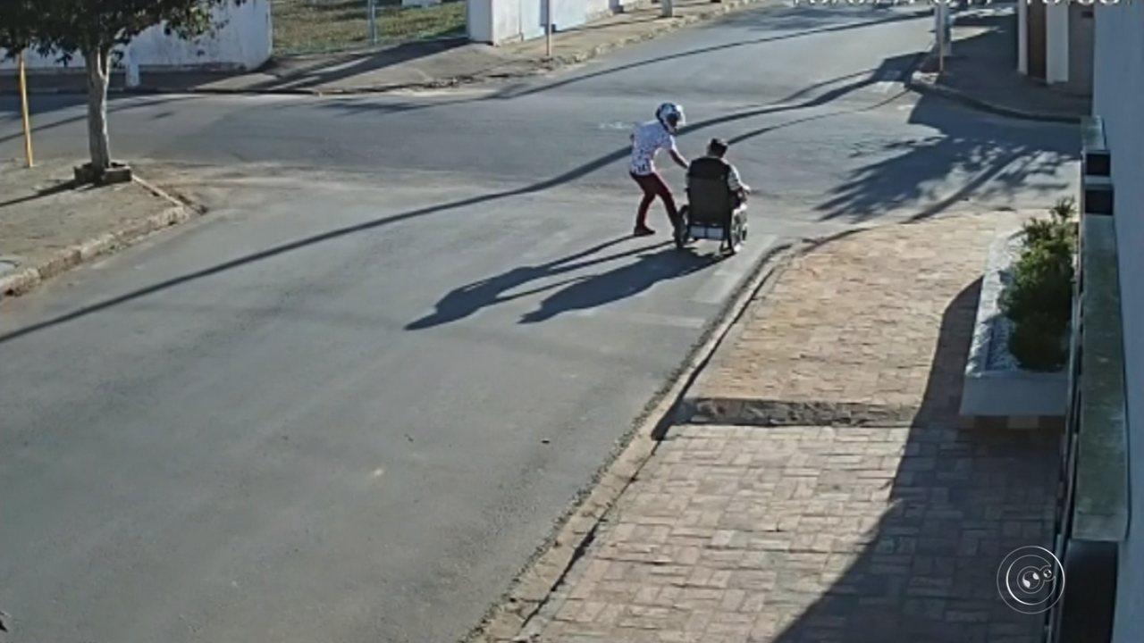 Cadeirante é assaltado por dupla em motocicleta na área central de São Miguel Arcanjo