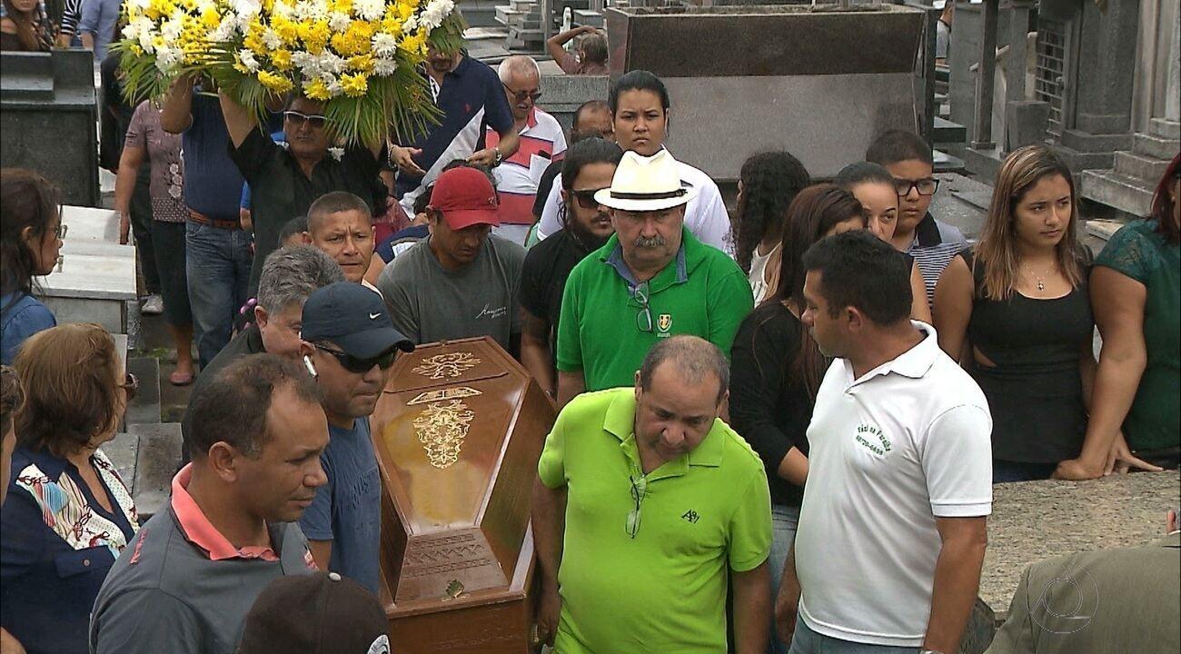 Taxista que foi baleado enquanto transportava cliente é enterrado em João Pessoa