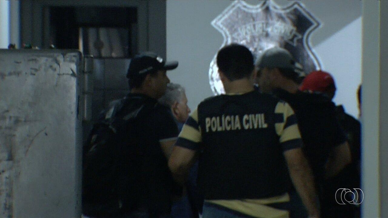 Policiais procuram por grupo que sequestrou jovem no Jardim Goiás, em Goiânia