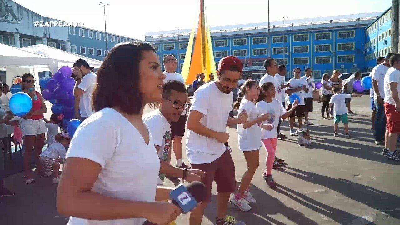 Equipe do 'Zapp' participa de corrida colorida que reúne pais e filhos