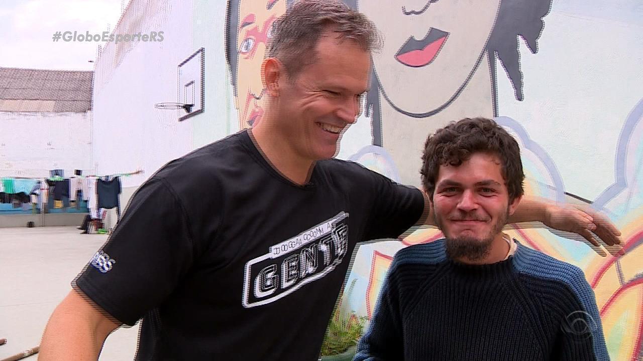 Joga com a Gente: moradores de rua são convidados para jogar basquete com Rogério Klafke