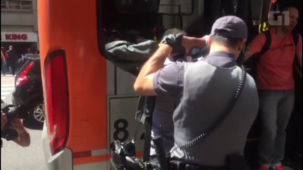 Mulher é assediada em ônibus na Avenida Paulista