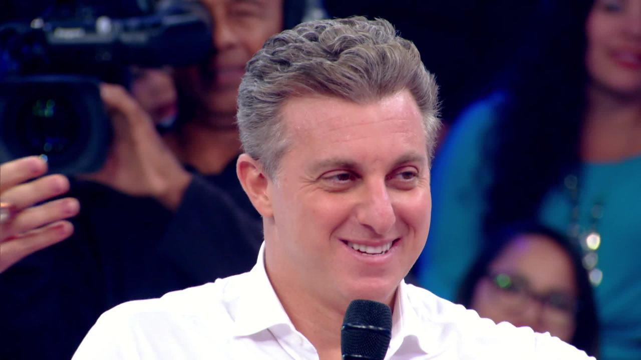 Teaser: confira a surpresa que o 'Caldeirão' fez para o Luciano Huck