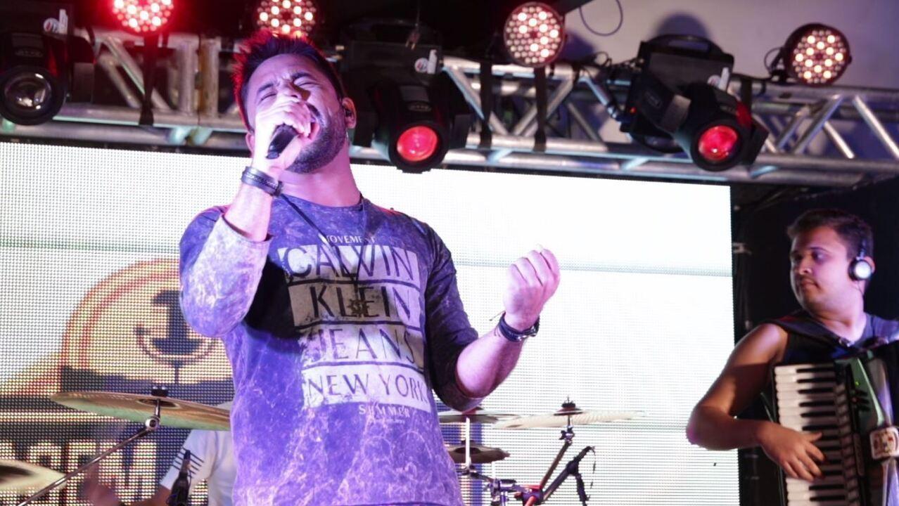 Fabinho Mello & Banda disputam a segunda vaga para a semifinal do 'Garagem Acústica'