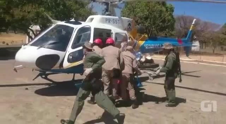 Bombeiros realizam resgate de vítimas de acidente em mirante de Taquaruçu