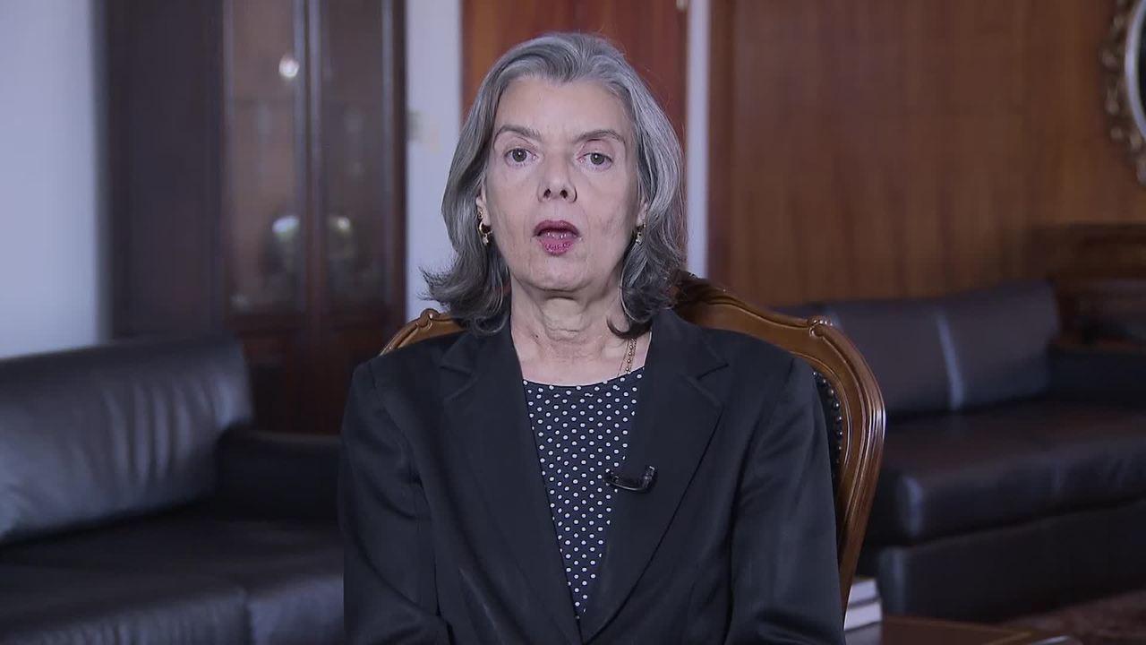 Supremo sofre agressão inédita, diz ministra Cármen Lúcia