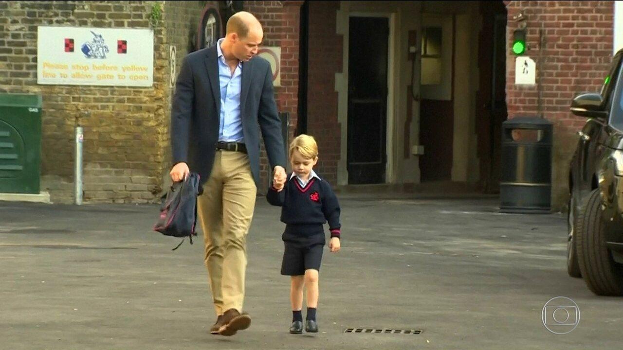 George, primogênito do Príncipe William, tem primeiro dia de aula na escola
