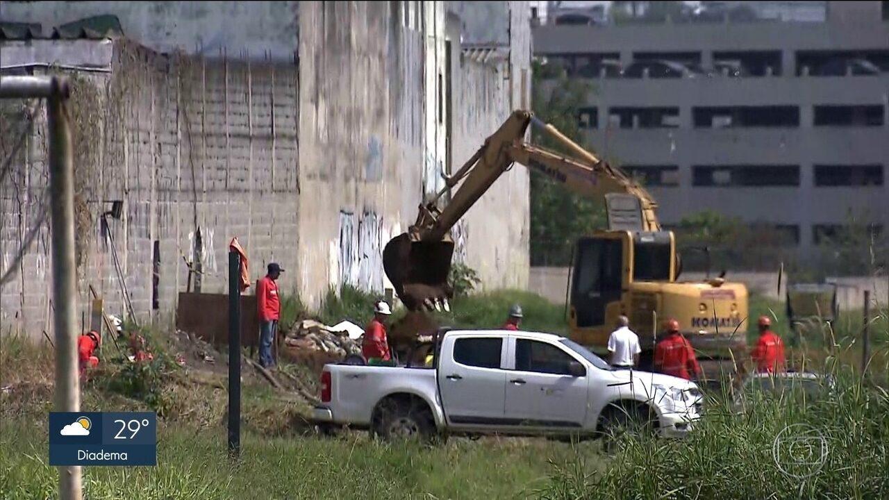 Resultado de imagem para Quadrilha invade lava-rápido e fura duto da Petrobras para furtar derivado de petróleo