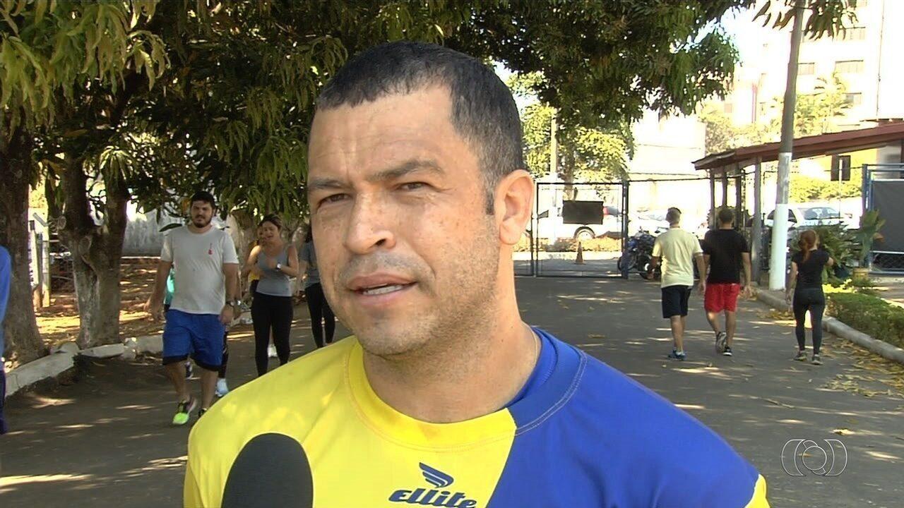 Ídolo do Vila Nova, Anderson Barbosa se aventura na terceira divisão goiana