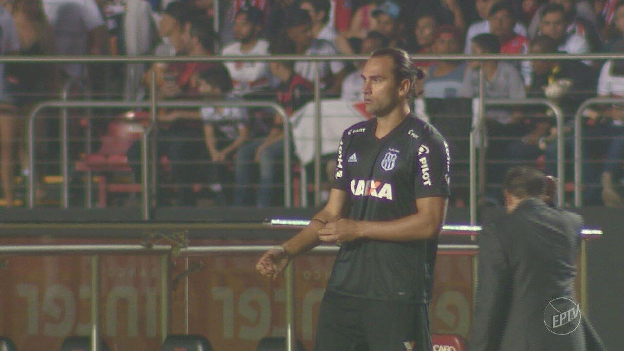 Léo Gamalho começa trajetória com a camisa da Ponte em alta
