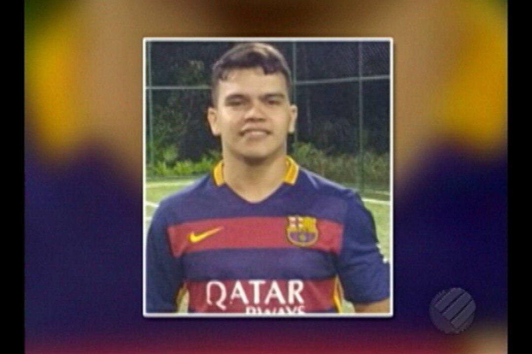 Corpo de jovem morto durante perseguição policial é velado em Belém