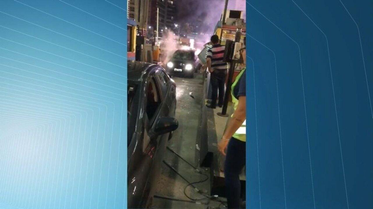 Homem bate em carros e causa confusão na Terceira Ponte, na Grande Vitória
