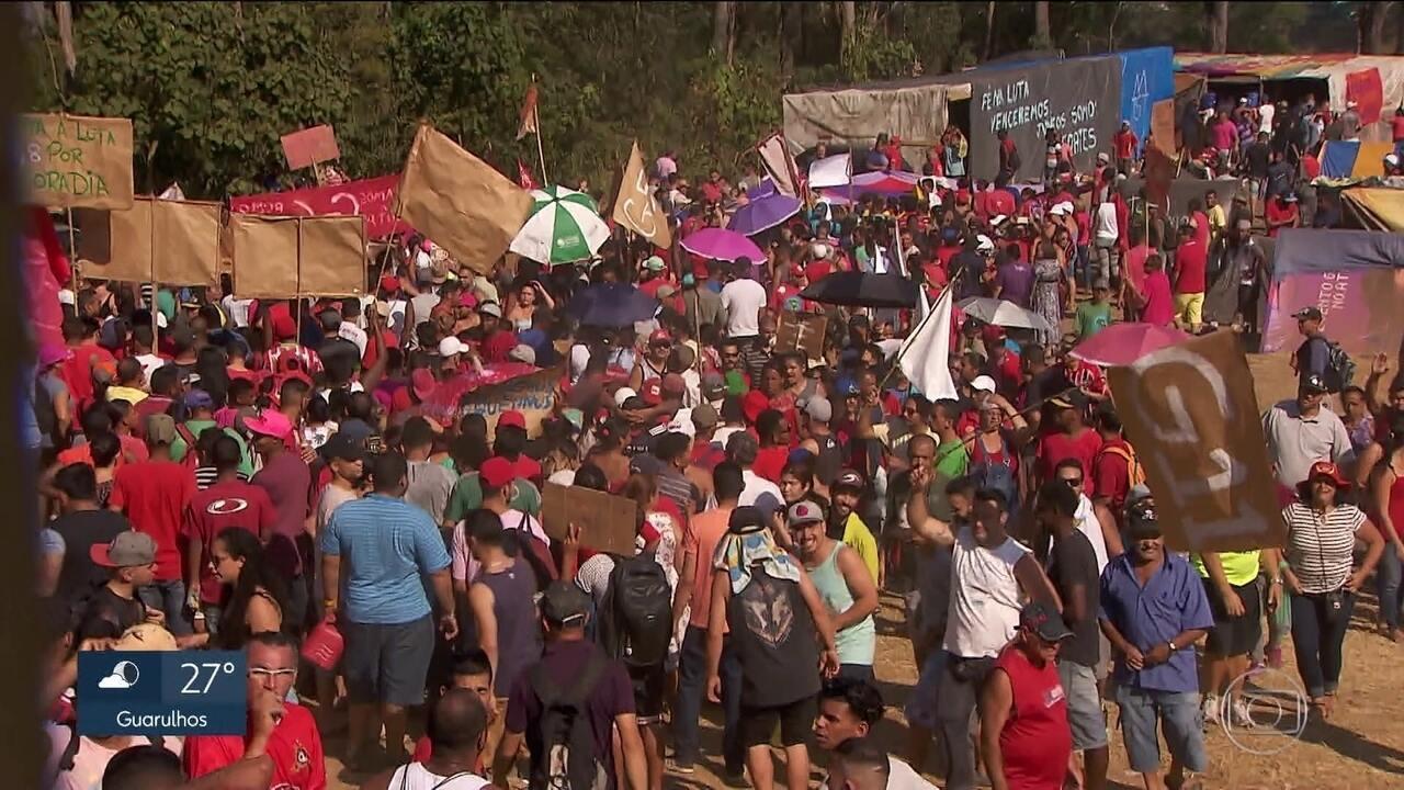 Integrantes do MTST fazem protesto em São Bernardo do Campo