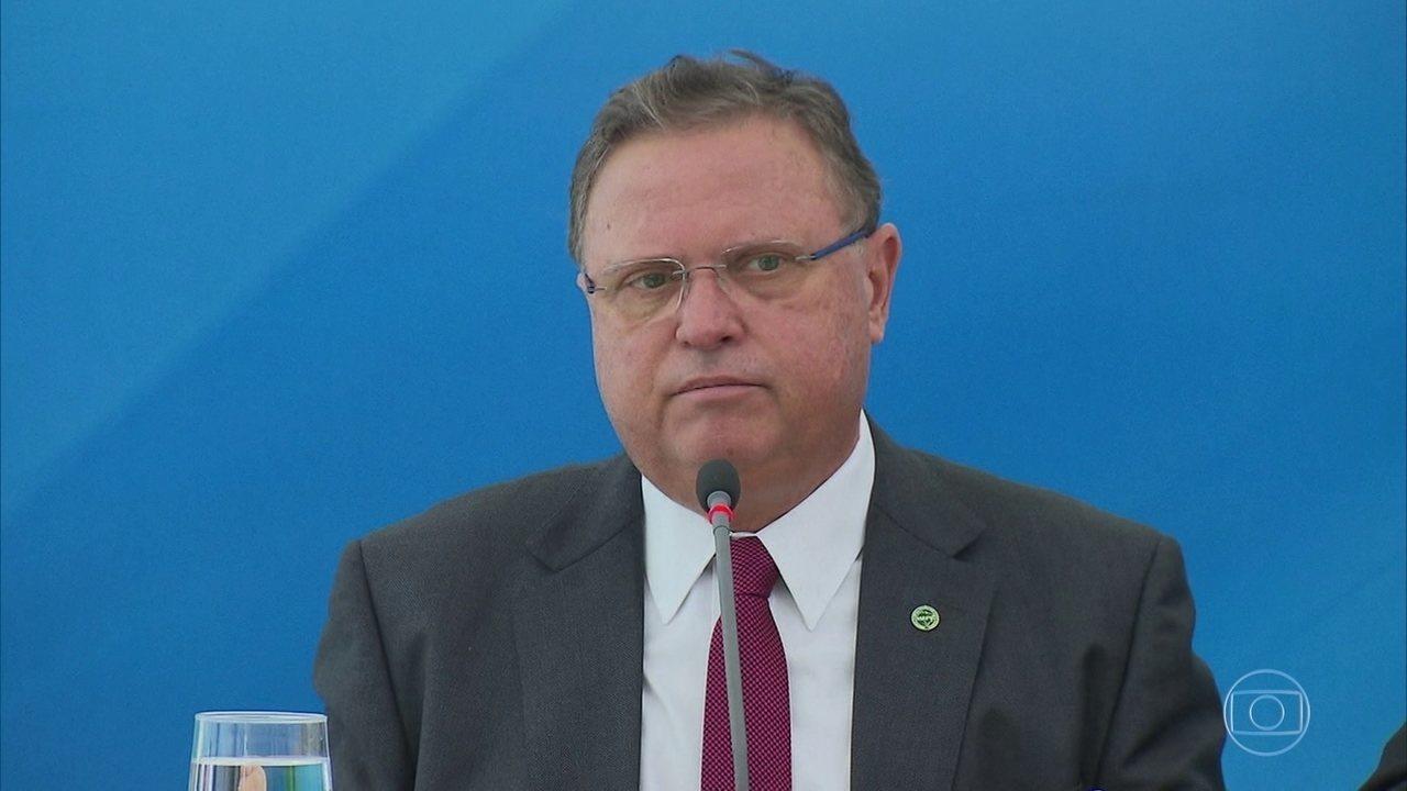 PF cumpre mandados de busca em cinco endereços ligados ao ministro Blairo Maggi