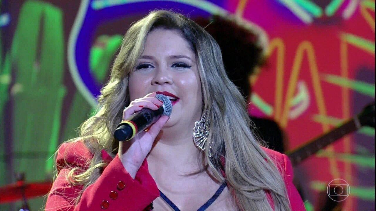 Marília Mendonça abre o programa cantando 'Infiel'