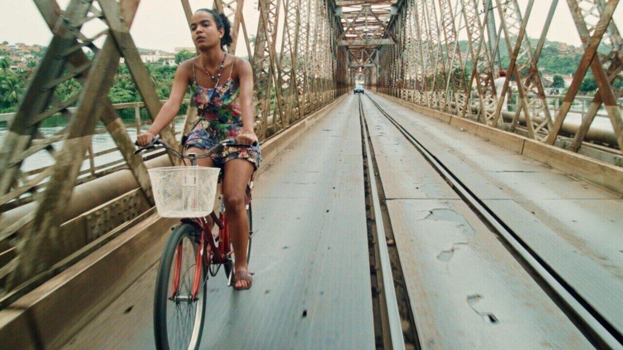 Assista ao trailer de 'Café com Canela', dirigido pro Glena Nicácio e Ary Rosa