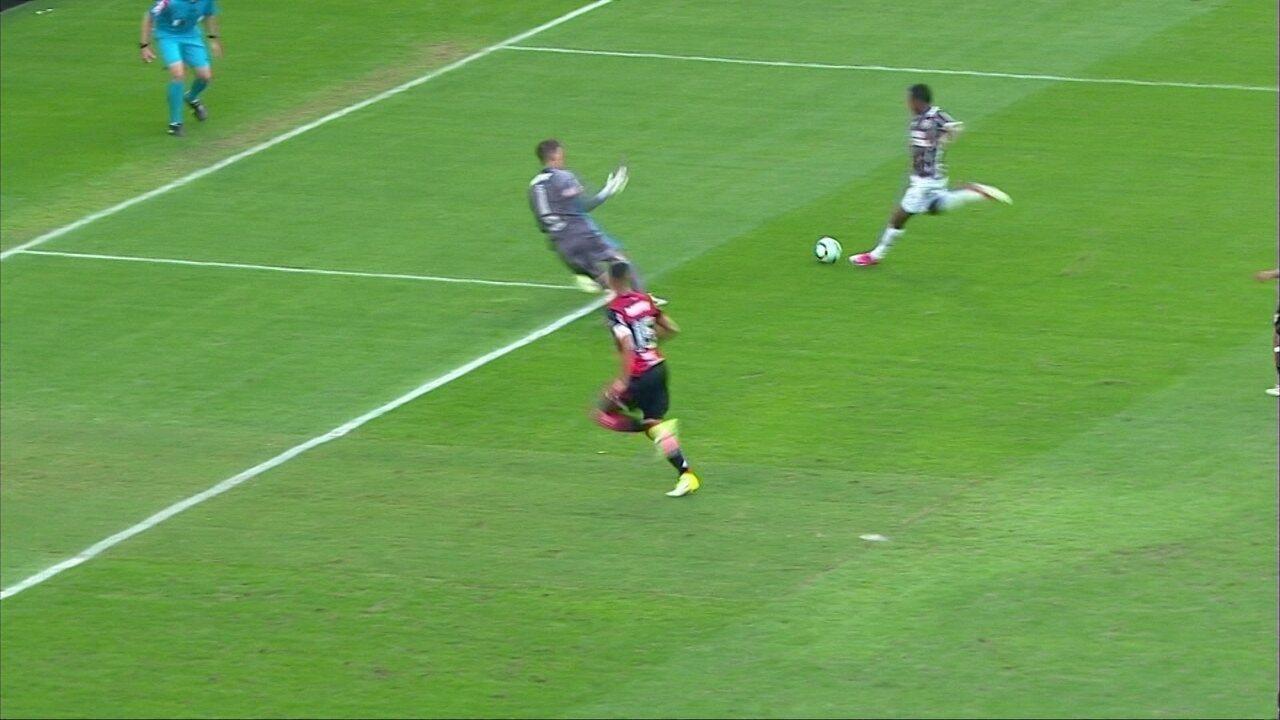 Confira os lances em que Thiago foi exigido contra o Fluminense