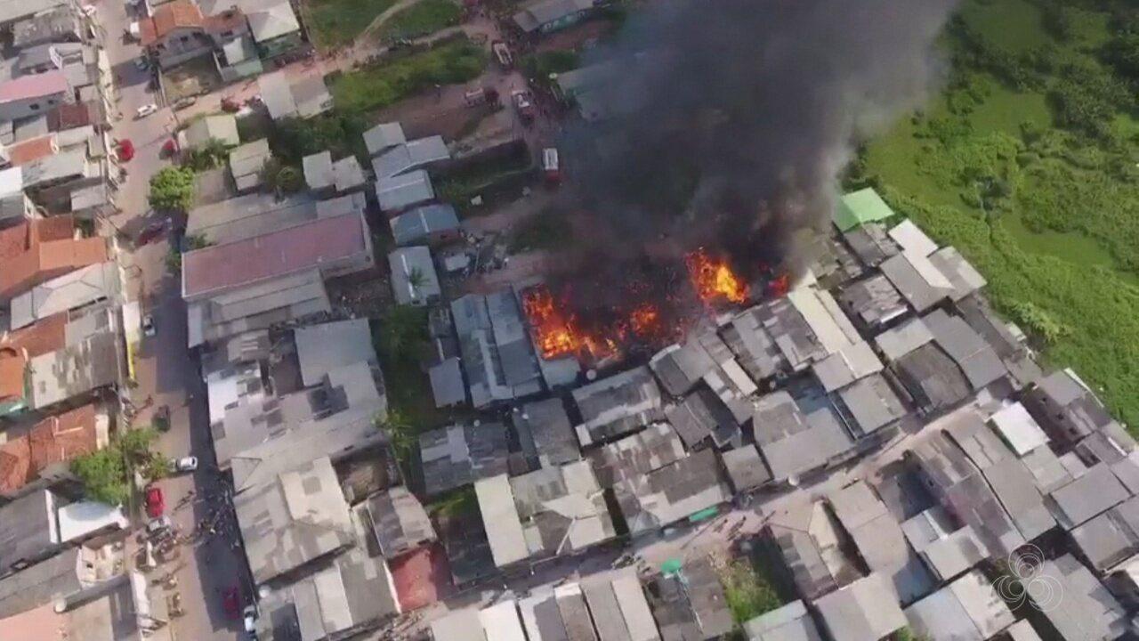 Incêndio atinge casas em área de periferia e deixa famílias desabrigadas no AP