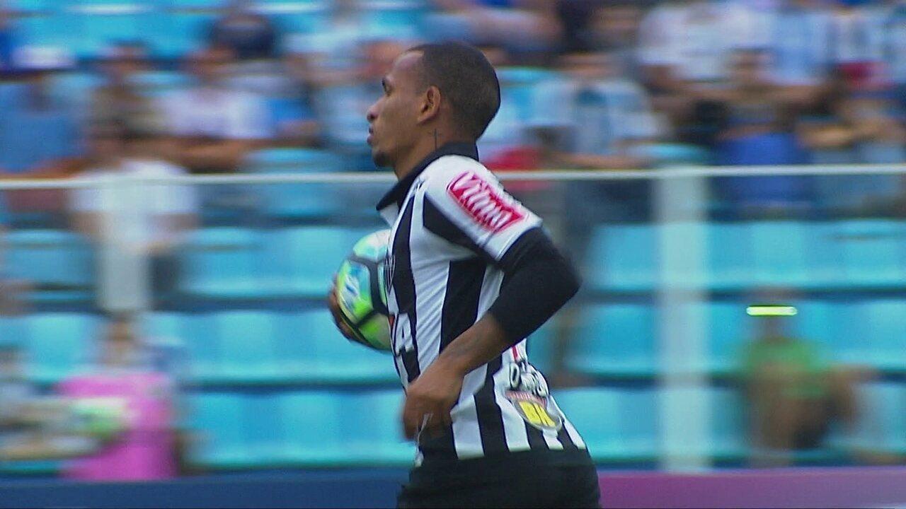 Gol do Atlético-MG! Marcos Rocha cruza e Otero empate de cabeça, aos 37 do 2º tempo