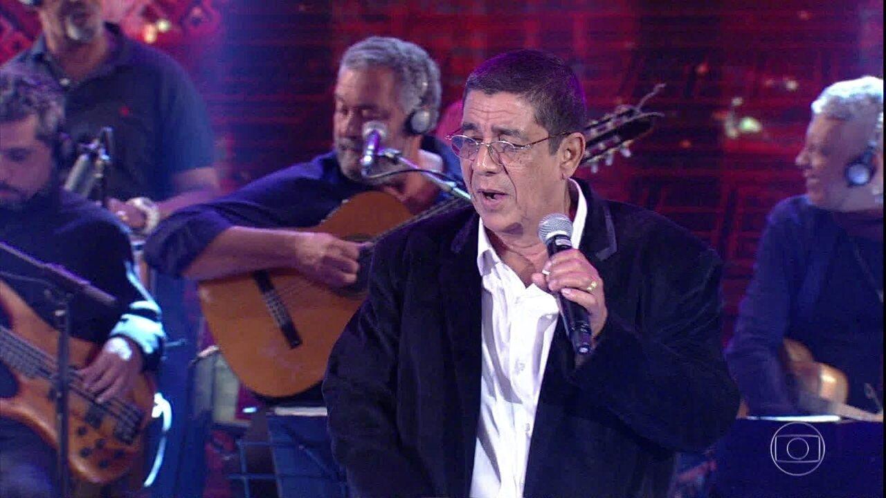 Plateia canta clássico do samba junto com Zeca Pagodinho